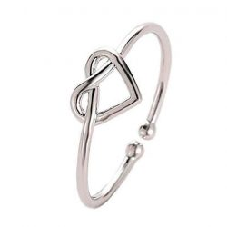 Imagen de anillo con silueta de corazon entrelazado